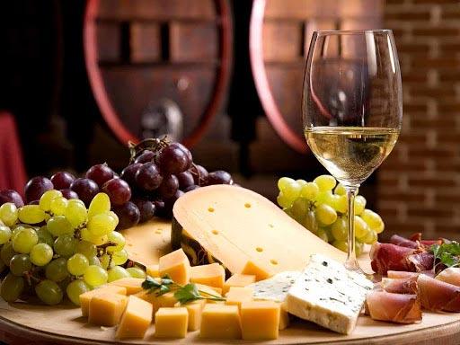degustazione vini e prodotti caseari spazio molino